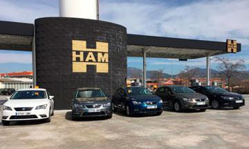 HAM suministra todo tipo de combustibles en sus gasolineras, donde ofrece un servicio personalizado y de calidad a todos sus clientes